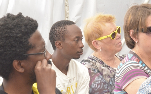 Percy Zvomuya of the Mail and Guradian sitting next to Synik
