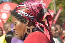 Lady with a doek